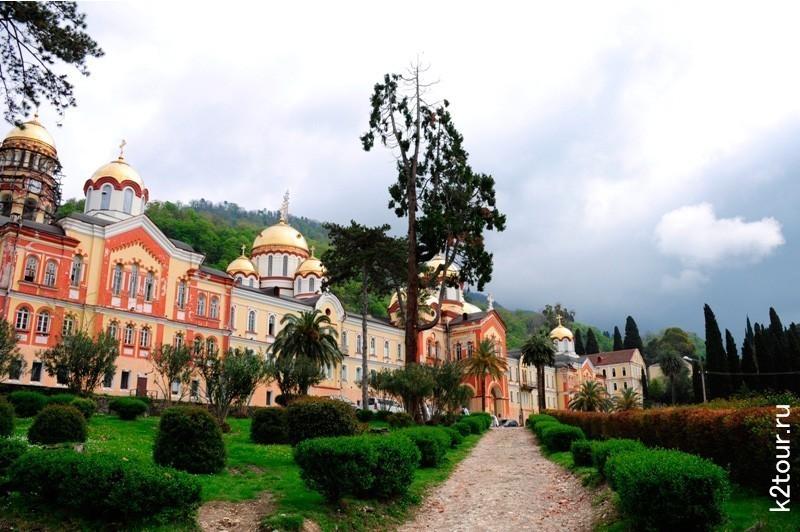 Новоафонский монастырь вид
