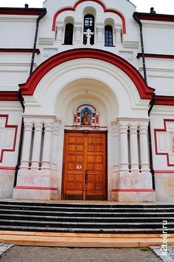 Новоафонский монастырь вход справа